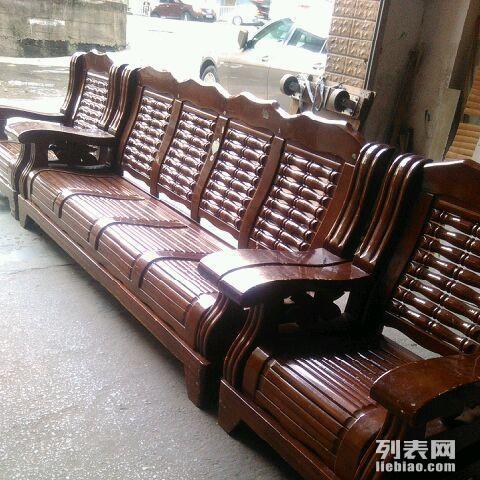 处理二手实木沙发一套,便宜卖了。