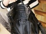 2014新款欧美大牌朋克风铆钉水洗真皮双肩包女包 超柔软机车背包