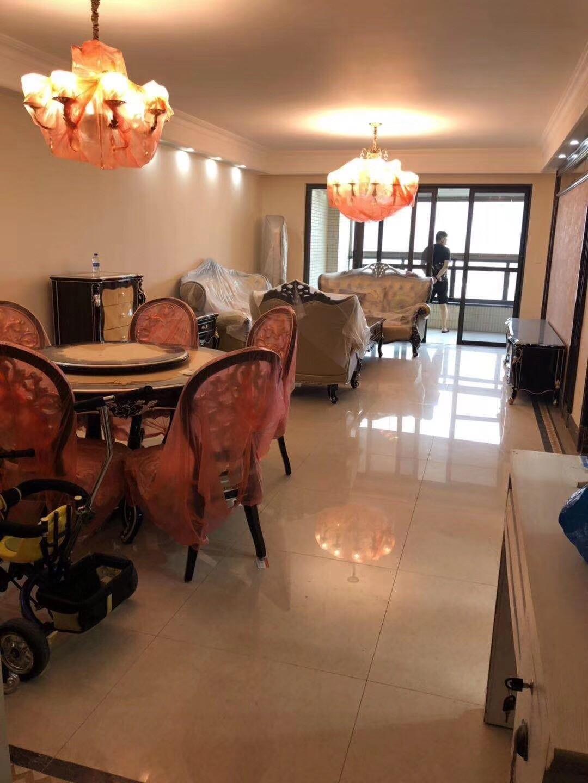全新欧式装修,房东第一次出租,一分价一分货,可看房中海金沙湾