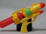 儿童水枪玩具 单瓶实色 夏季儿童沙滩夏日戏水玩具水枪批发