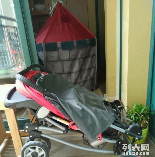 小龙哈彼的婴儿推车,当初买成350,用了半年就闲置了,现