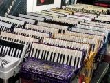 库房装修低价转让一批进口手风琴