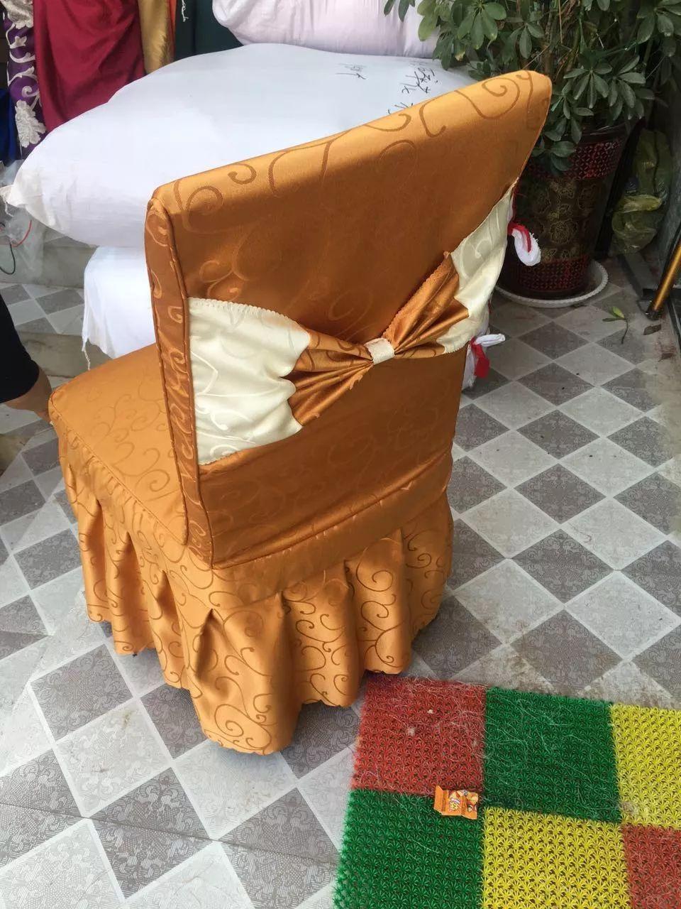 酒店婚庆餐厅弹力绑带免系式弹力椅套蝴蝶结椅背扣椅背花钻扣装饰