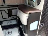 深圳奔驰威霆V260房车改装豪华太空椅实木地板高端定制