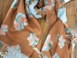 上海故事围巾厂家 上海故事围巾批发市场品牌折扣女装尾货批发