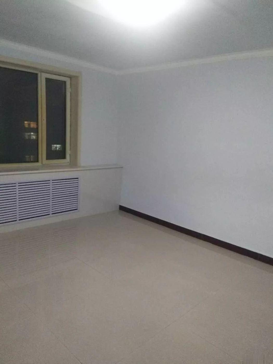 县府街邮电小区 2楼精装 南北通透 5年外房本可按揭贷款