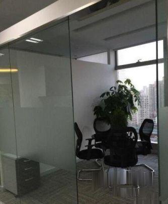 山大路华强南新增精装写字楼,随时看房,带部分办公家具银座数码广场