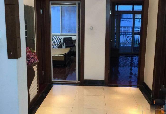 星河园 145平带车库 精装修仅售140万看房方便有钥匙