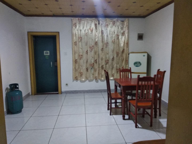 店长推荐!施家园37号 1200元 2室2厅1卫 普通装施家园37号