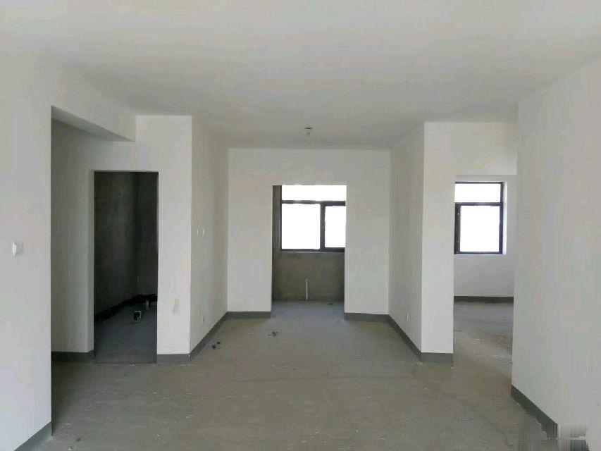 绿地世纪城 3室2厅2卫128平米85万