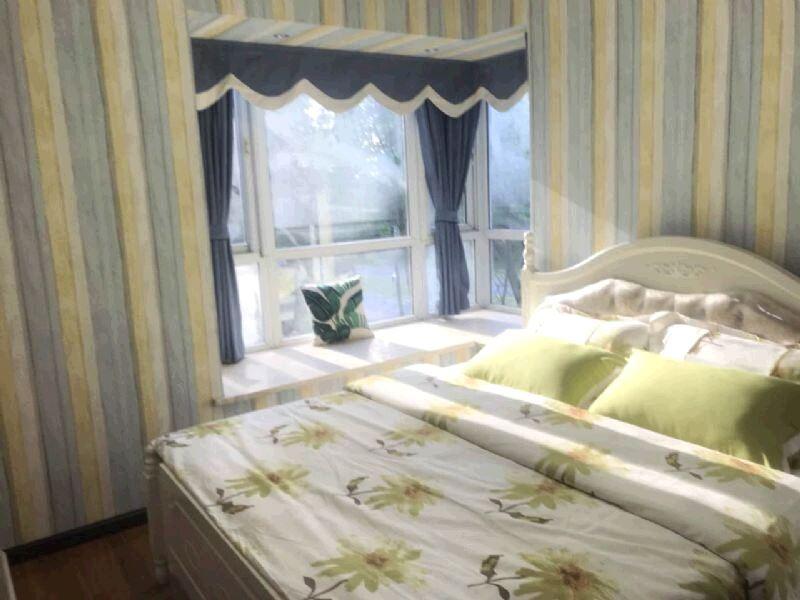 业主出售翡翠国际三期 78.8万 3室2厅2卫 精装修,