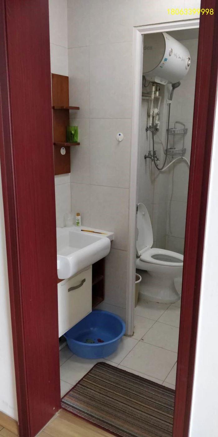 四季圣园精装修1居室,基本家具家电,干净大一居室出租四季圣园南区