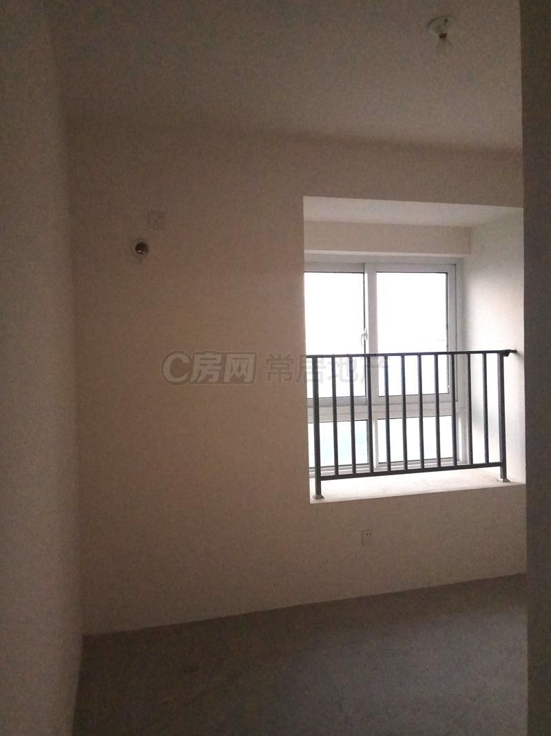 蓝山湖 84.88万 3室2厅1卫 阳光充足,治安全面!