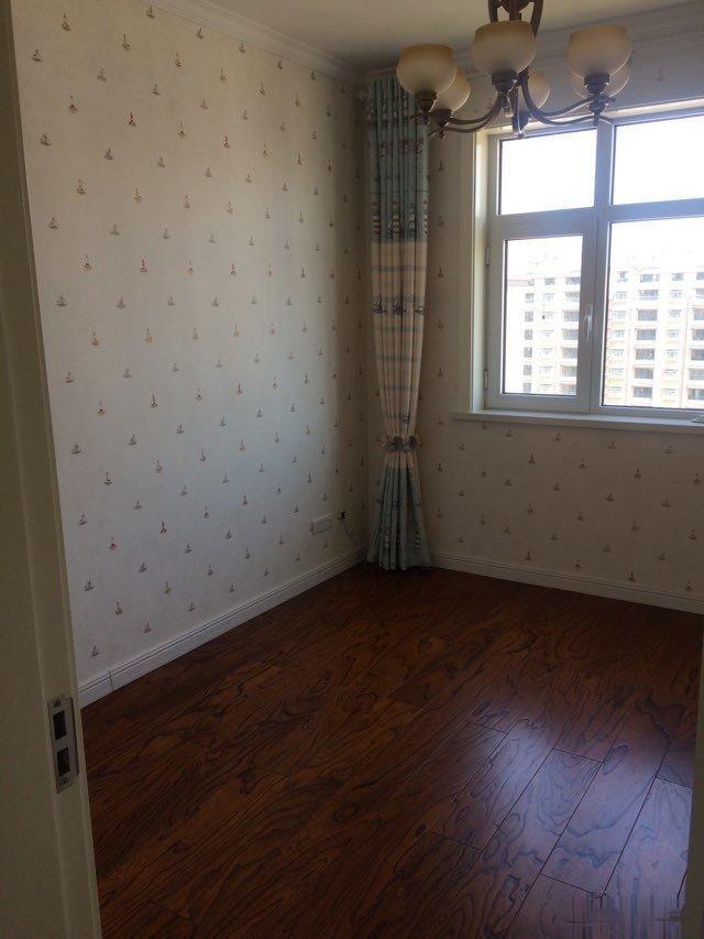 花样年华南区 豪华装修3室2厅 无税可贷款 小区中间