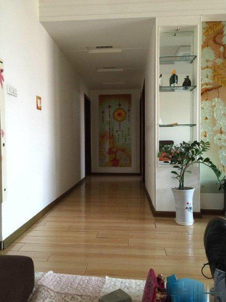 渭滨区桥南绿洲锦园3室1厅1卫精装房子业主诚心出售