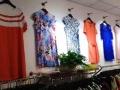 历下区营业中品牌女装店转让,可空转,可餐饮