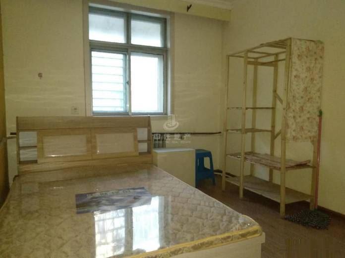 新出精装两室仅租1500 西苑小区 假一罚十,随时看房,