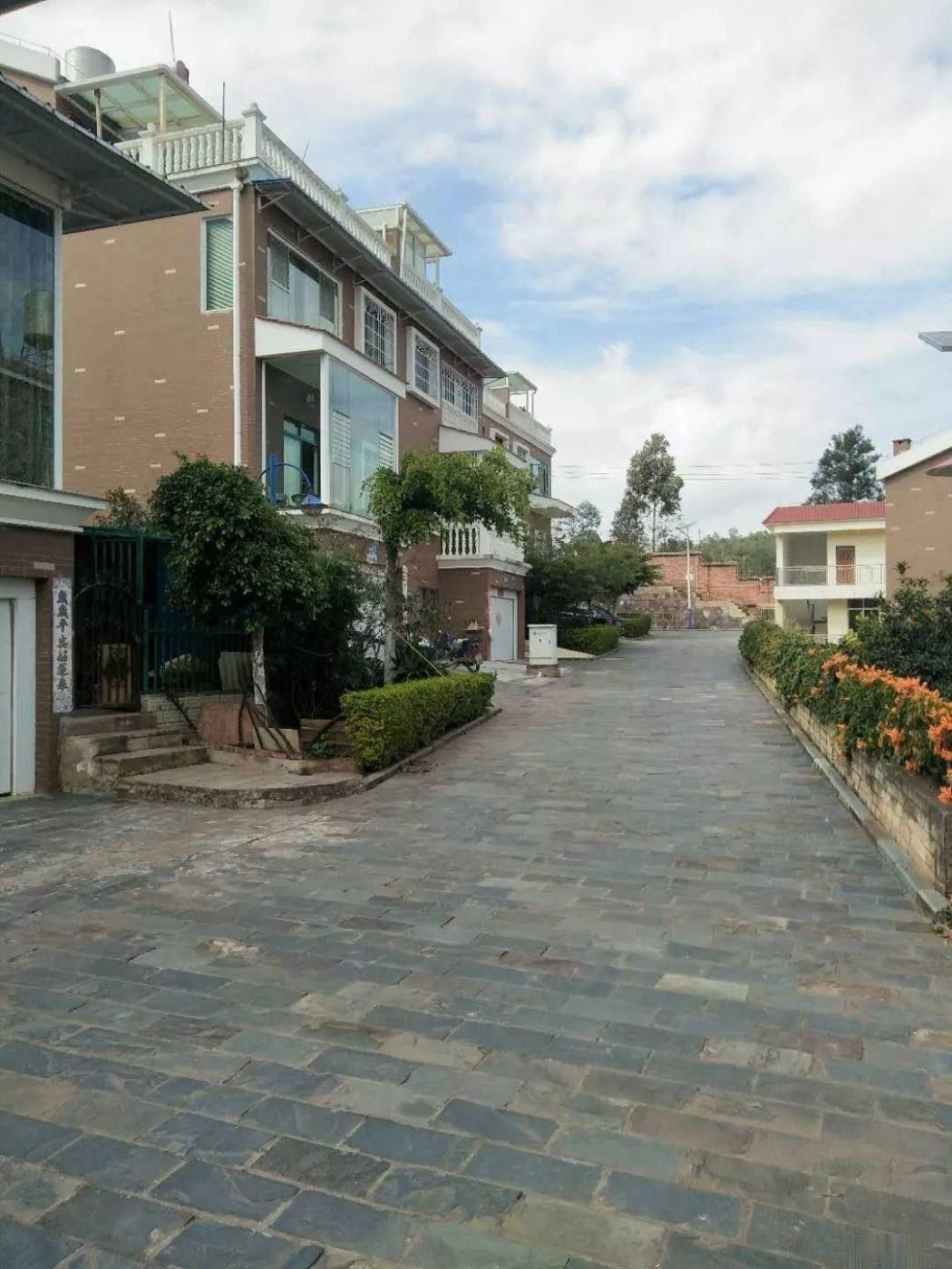 龙瑞 家园康居小区 120万 4室2厅3卫 毛坯您看过吗