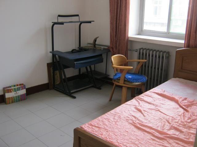 底价出租 路桥宿舍(体育) 2室1厅1卫 中装 干净核四院生活区