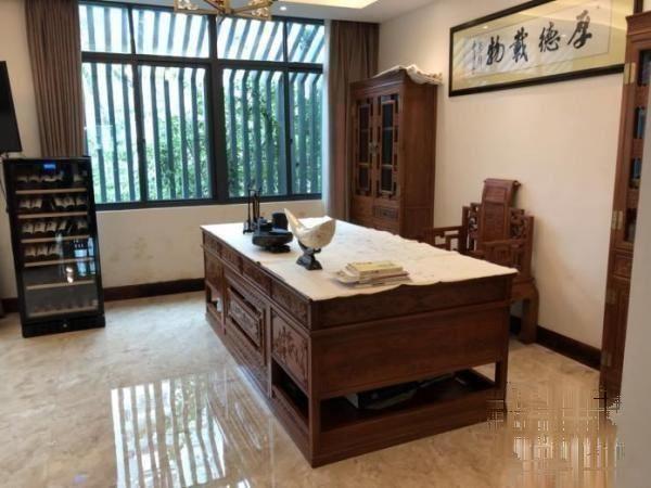 椰海山庄 28000元 5室3厅5卫 精装修,业主诚心出椰海山庄
