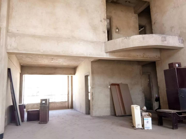 建设小区4跃5复式楼带大车库!