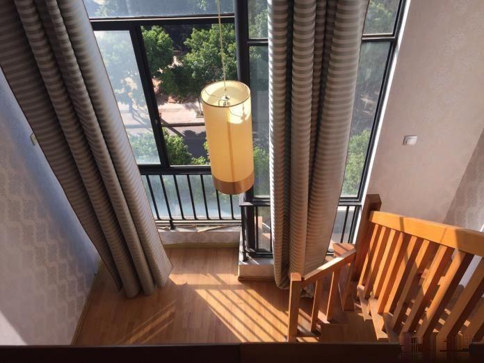 游泳馆旁欧西尼亚公寓 1室1厅1卫