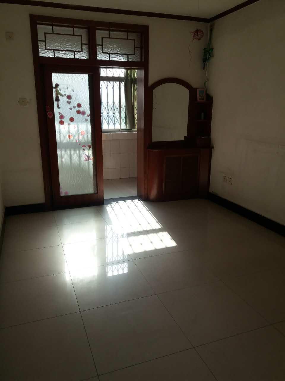 咸阳选房文林路(文林小区)简装两室 全明户型 带地下室