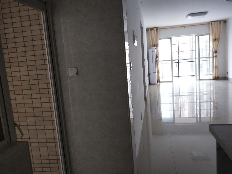 衡阳路 天海苑 空房出租 中装2房 2500一个月配天海苑