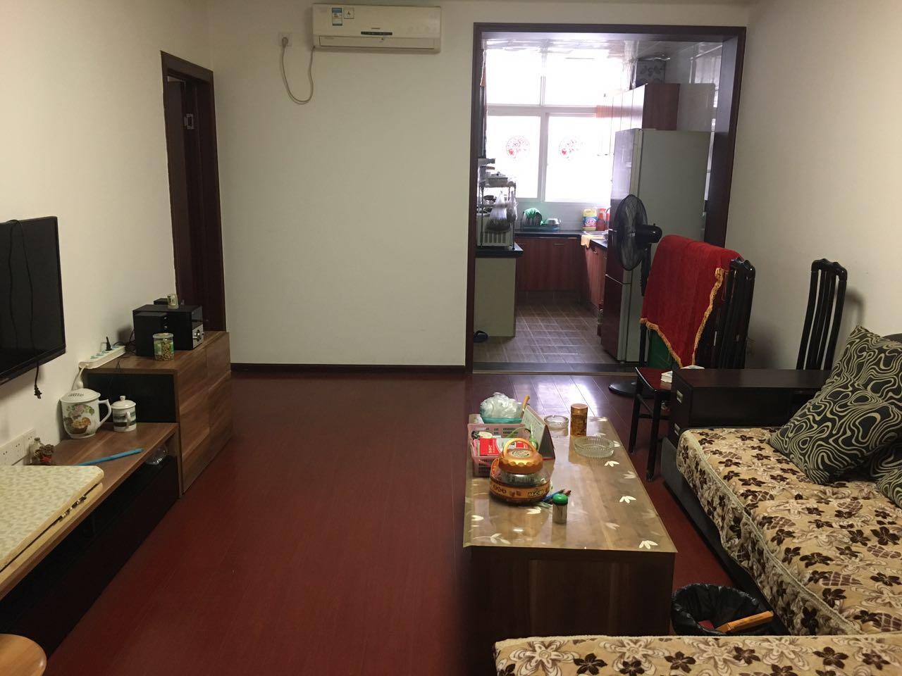 万达中心医院旁城昌花园118平 精装2室2厅2卫2000