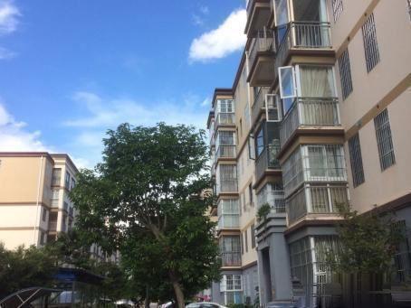 均价3200可得东华苑城市花园龙川苑156平大四房可按揭