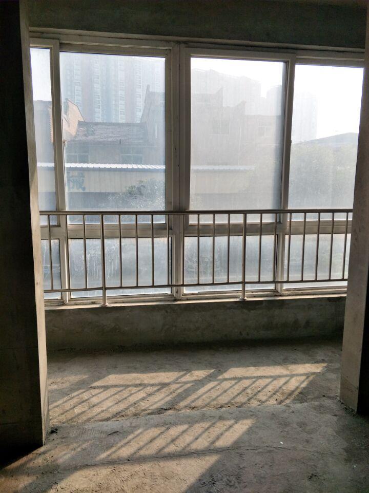 世纪大道(河南街)五楼3室南北通透