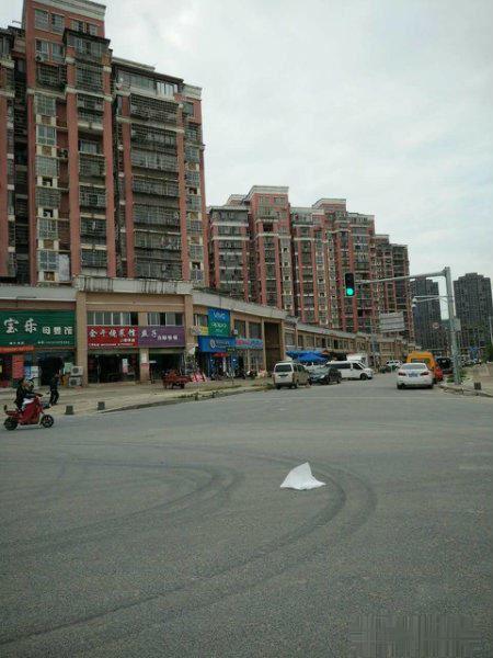 朝阳海亮珑园商铺 华侨城旁学校正对面 年底清盘钜惠