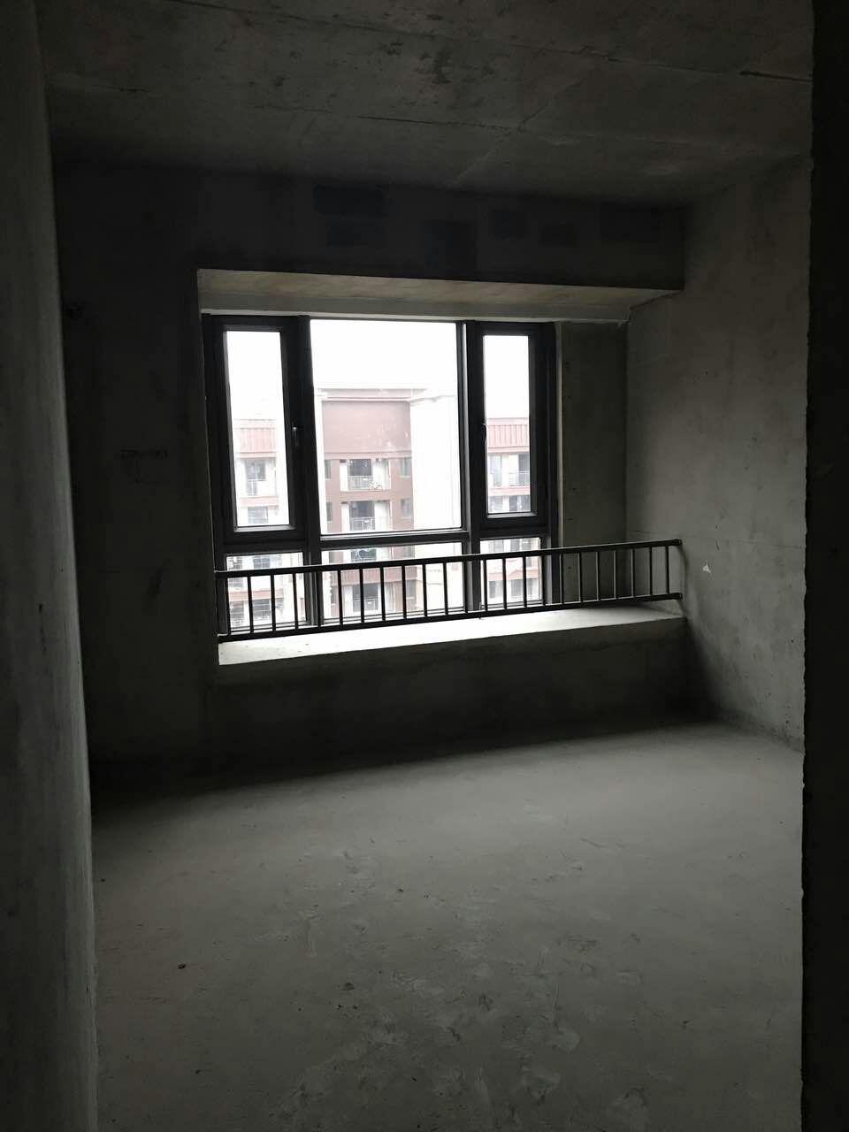 万达华府,毛坯3房120平仅83.8万,直接做证