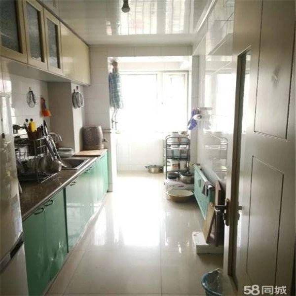 世博广场 超大卧室 温馨如家 南北通透让您享受清晨的阳光世博广场