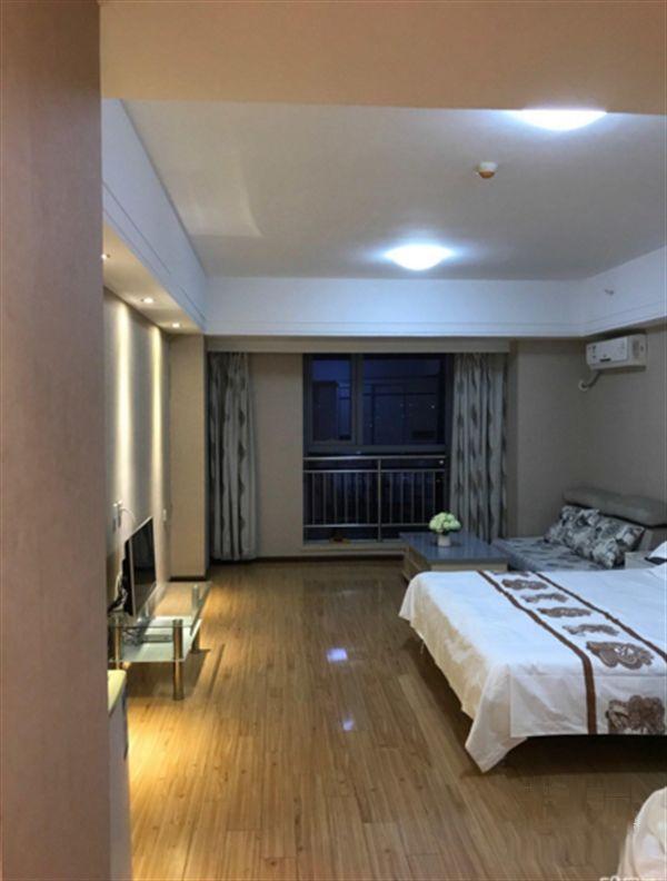 精装一室 万达公寓 办公居住均可 采光好不遮挡