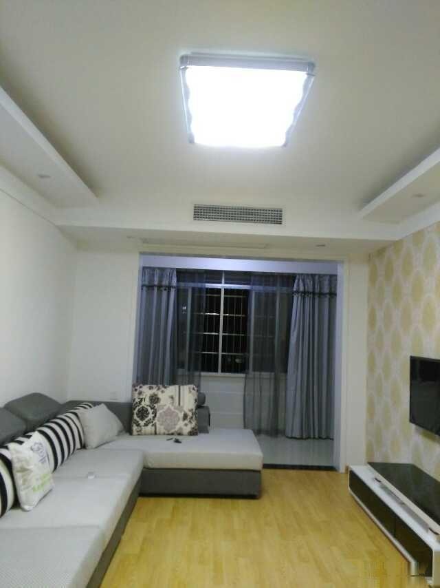 本房子2015年装修,全新家电,全新家具,中央空调,拎包