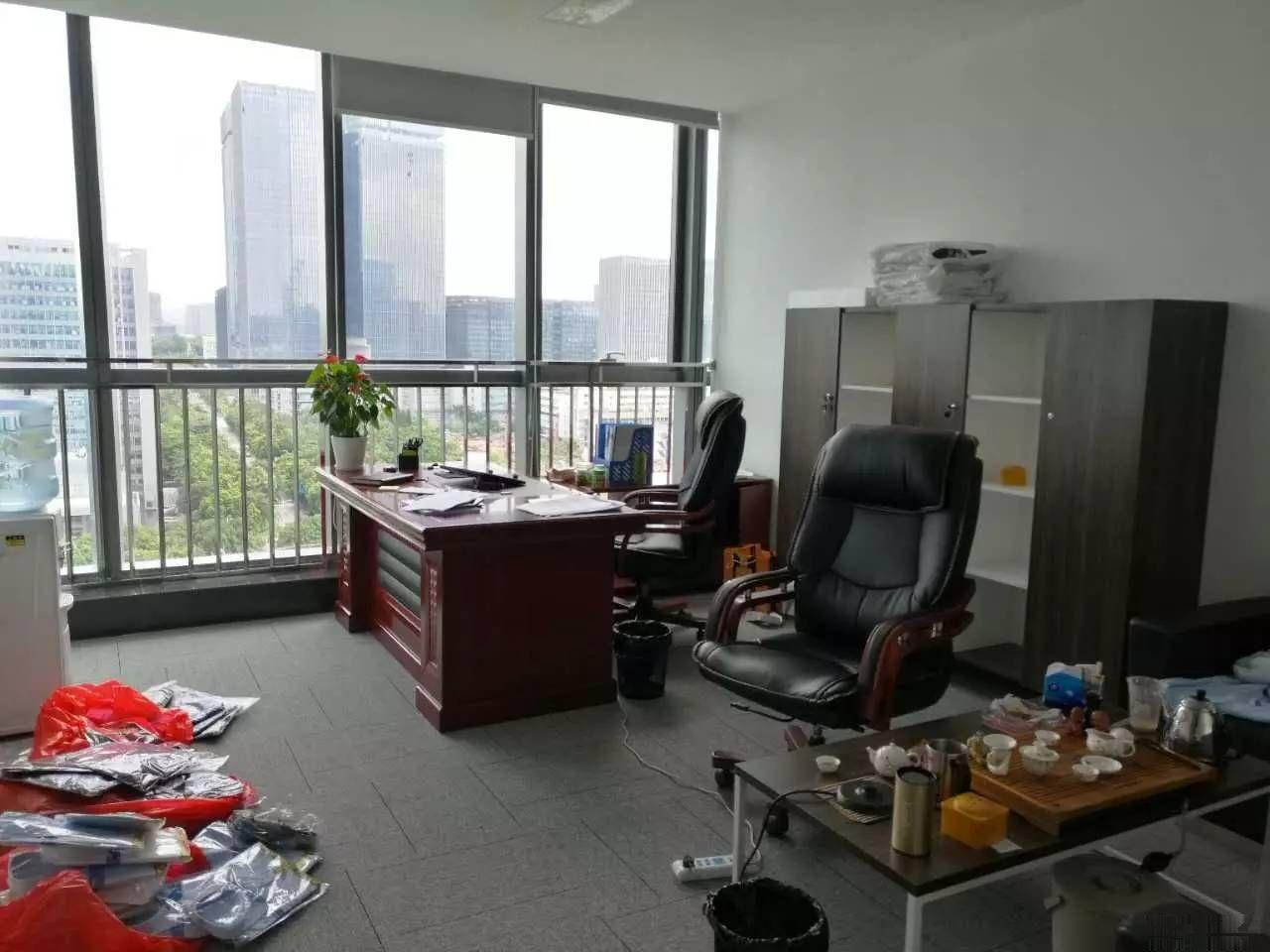 南山地铁口海王银河科技大厦