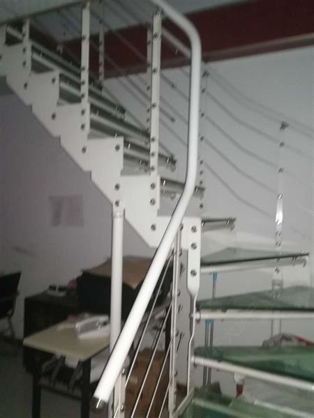 紫金大厦 跃层3500元 1室1厅1卫 精装,楼层好,适紫金大厦