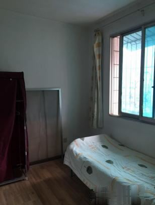 太慈桥青山小区,派出所旁边,三室,产权满两年
