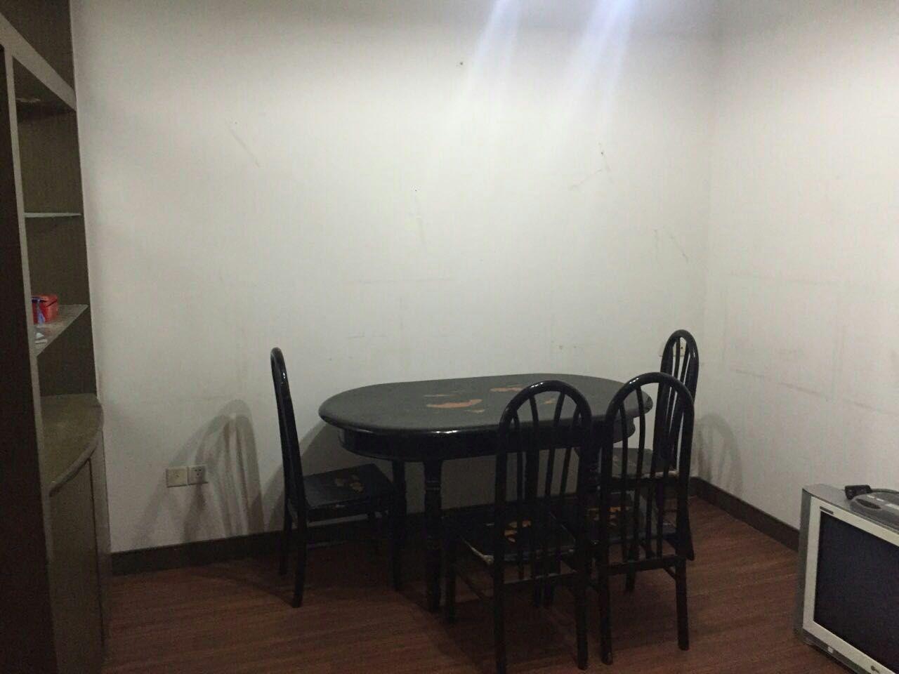 茶局巷着地1楼2室