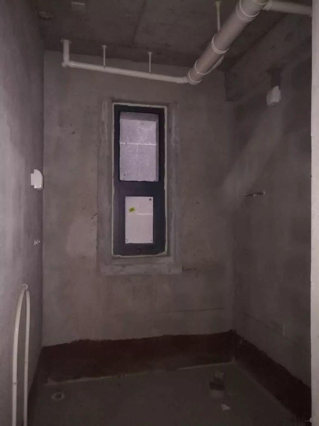 南坊靠河品质小区意林国际一楼带50平院子105平三室95
