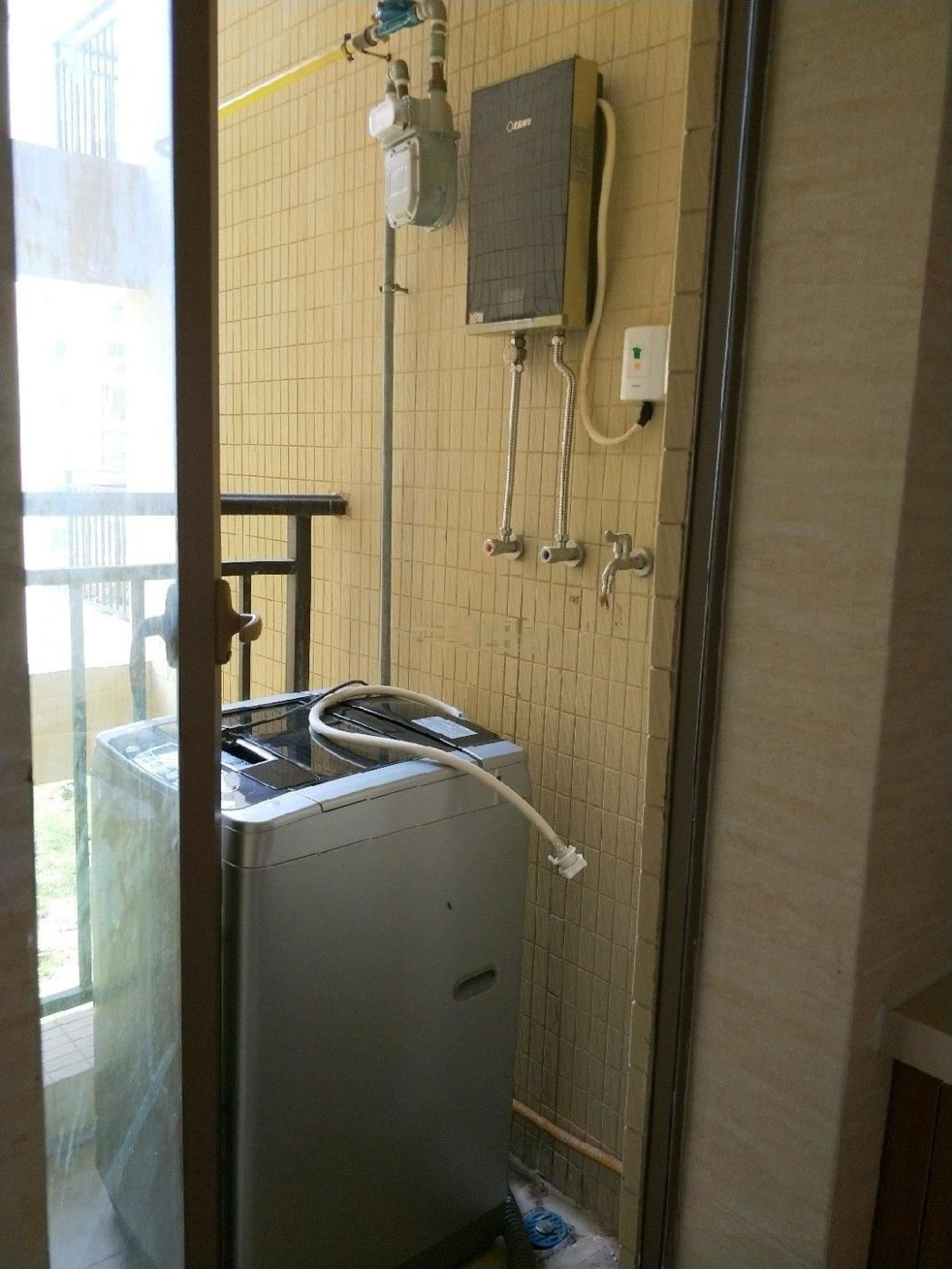 龙光海云天 2200元 2室1厅1卫 精装修,全家私电器龙光海云天