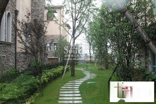 香颂湾别墅置业双拼+东首+大花园+河景房440平方