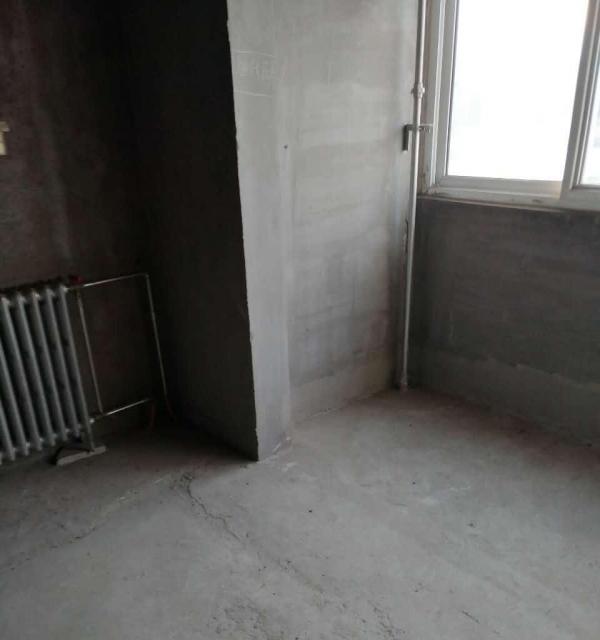 梧桐苑 毛坯新房 南北通透  户型 客厅通阳台 整洁干净