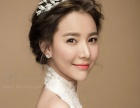 小林彩妆造型打造较美的新娘!