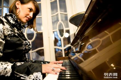 朝阳成人钢琴培训,**教程质量保证 筝流行音乐教室