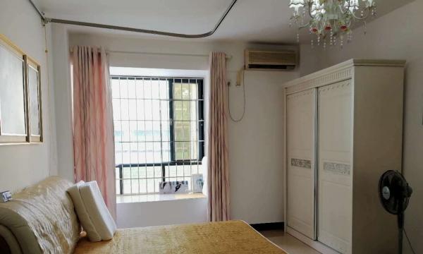 保利罗兰香谷精装三房向南带齐家私家电