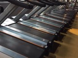 深圳出售大量二手迈宝赫商用跑步机及力量健身器材