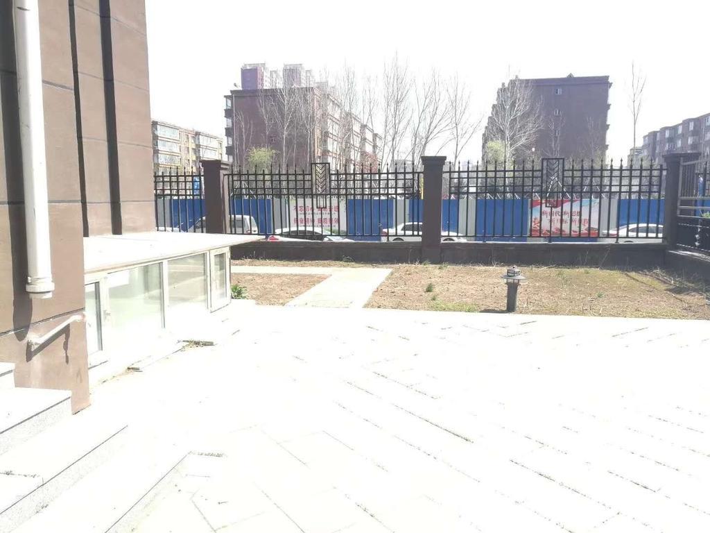 吉林大路地铁 门市亚泰梧桐公馆1楼200平花园 地下车库入户梧桐公馆