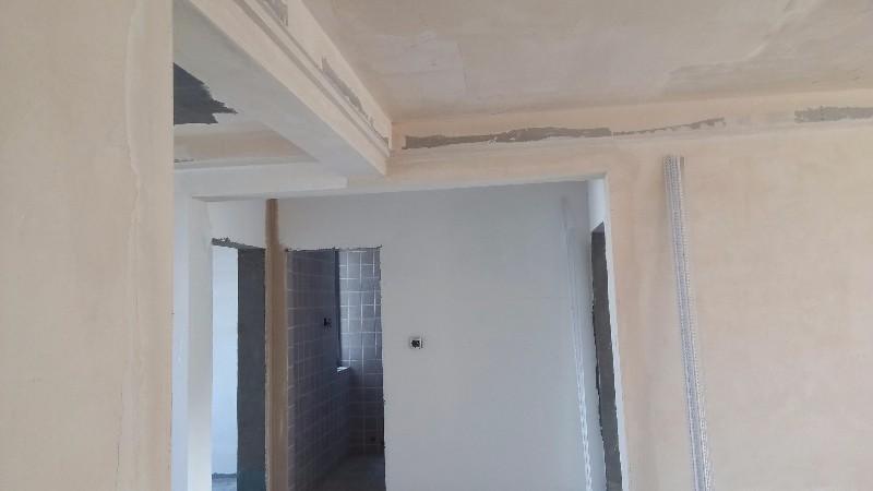 专业刷墙,粘石膏线的,持证上岗